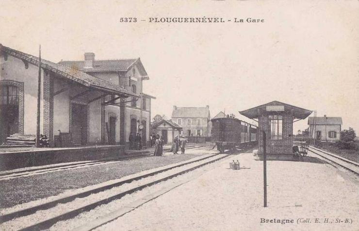 plouguernevel-gare.jpg