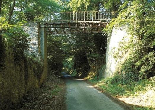 pont-chateau-de-kermezen-pommerit-jaudy.jpg