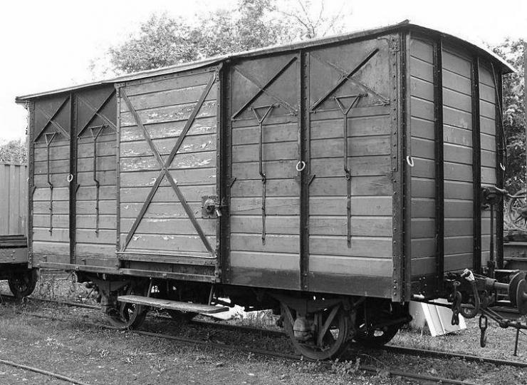 wagon-couvert.jpg